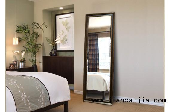 镜子对着床好不好,卧室的镜子怎么摆放比较好?