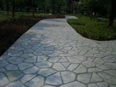 新疆伊犁娱乐场所彩色压模地坪的做法