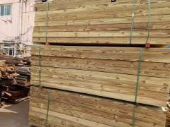 芬兰木园林景观材,上海芬兰木厂家。芬兰木户外地板料工程